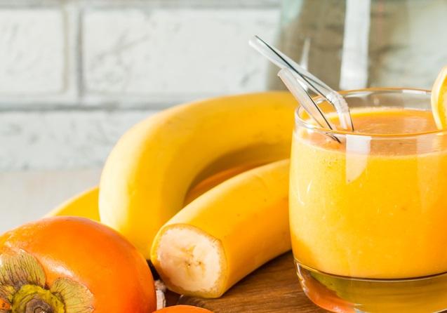 Коктейль с хурмой и бананом