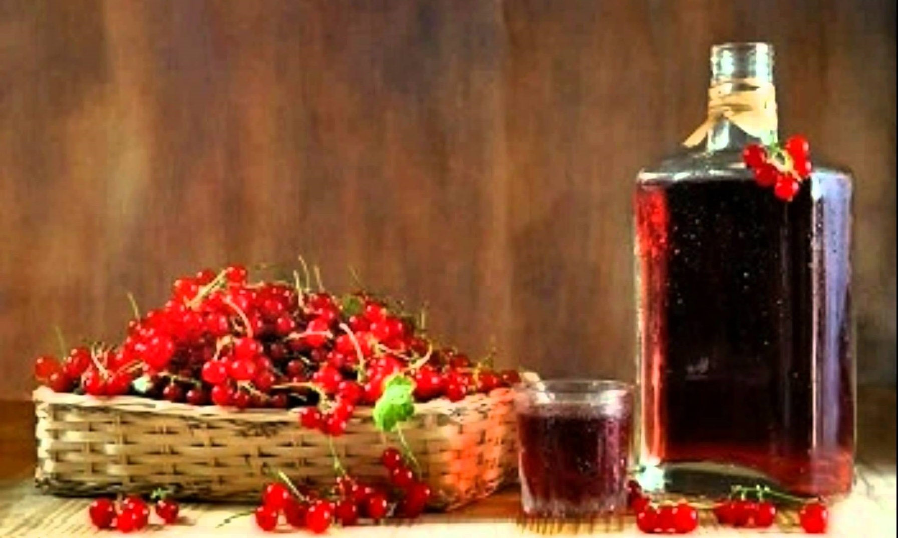 Рецепт домашнего вина из красной смородины