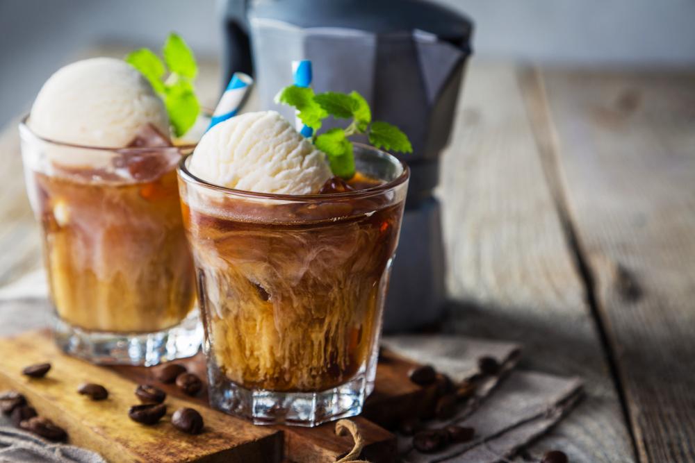 Коктейли с мороженым и водкой