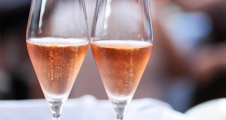 Первое розовое шампанское