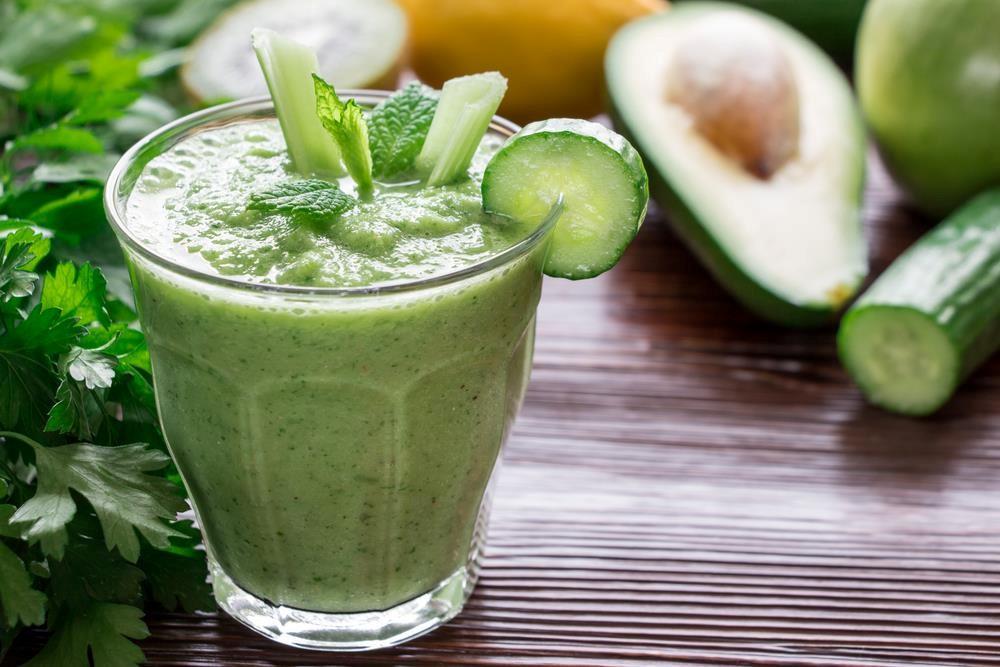 Зелёный мультивитаминный сок