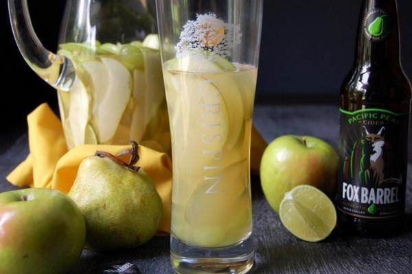 Яблочно-грушевая сангрия