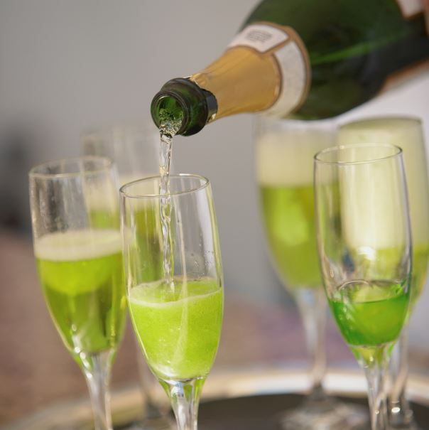 Green bubbles cocktail