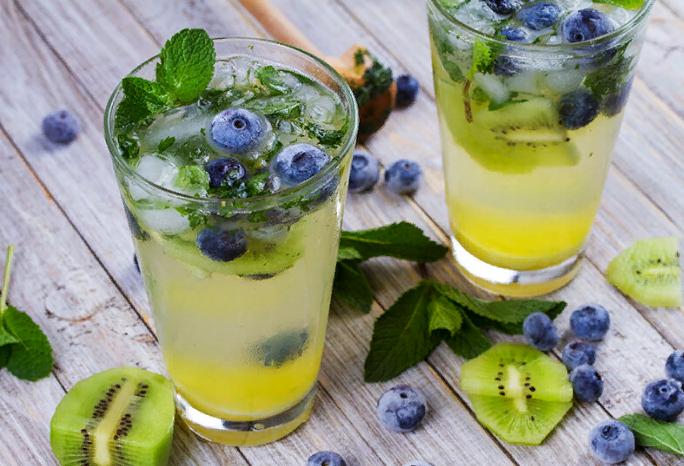 kiwi-blueberry-mojito
